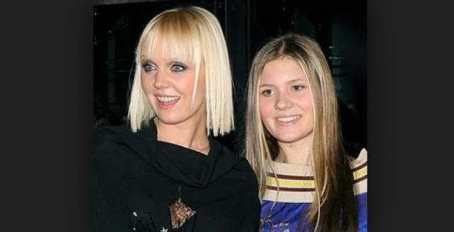 Валерия. Старшей дочери 49-летней певицы Анне Шульгиной 24 года, хотя их легко можно принять за сестер, причем многие считают, что мама выглядит гораздо привлекательнее молодой девушки.