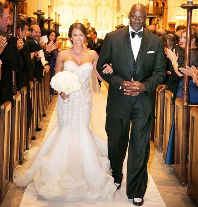 Майкл Джордан и Иветт Прието ($10 млн). Баскетболист отметил свою вторую свадьбу с размахом: на церемонию в Палм-Бич было приглашено 500 гостей.
