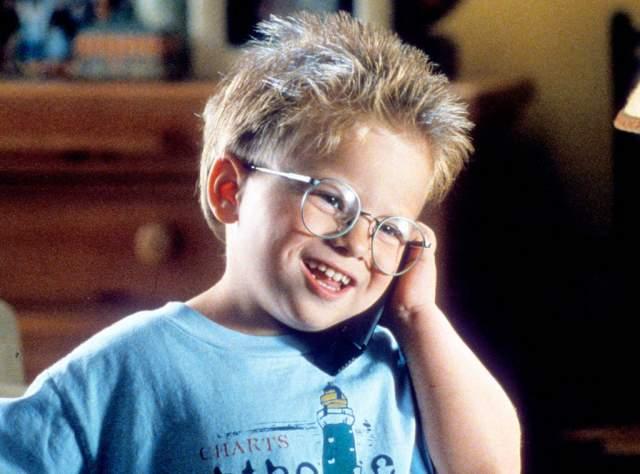 """Джонатан Липники, """"Стюарт Литтл"""" (1999). Отснявшись в двух частях комедии о дружбе мальчика и мышонка, Липники ушел в длительный отпуск. Он достаточно резко возмужал, но супер-актером не стал, и режиссеры не спешили его приглашать на съемки."""