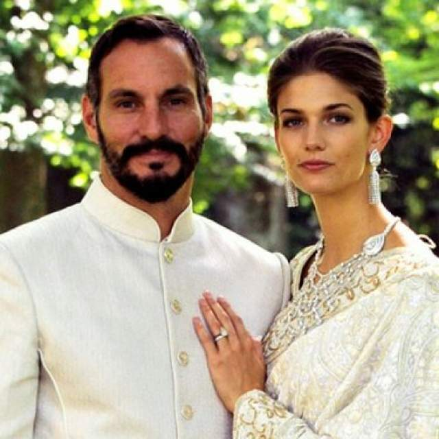 Кендра Спирс, 29 лет. Муж - Рахим Ага-хан, принц. Браку модели и одного из самых влиятельных мусульман мира не помешали ни религия, ни разница в культурах. Разница в возрасте у них не очень большая - всего 11 лет.