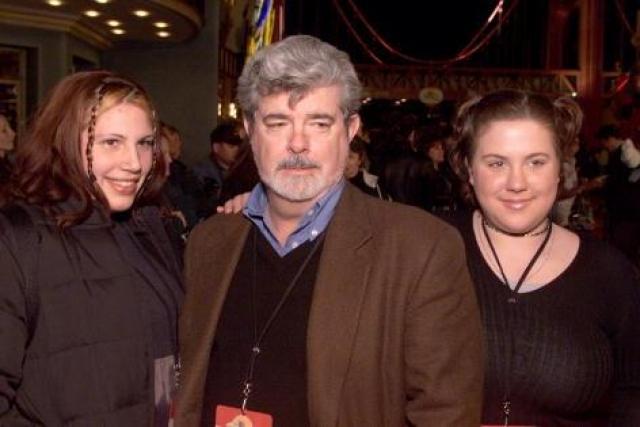 Ее сестра Катерина также не отличается модельными габаритами и чертами лица, так что обеим дочкам режиссера с миром кино связать себя не удалось.