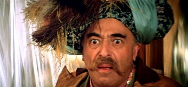 В кино актёр начал сниматься в 1953 году и первую роль сыграл в исторической картине Михаила Ромма Адмирал Ушаков.