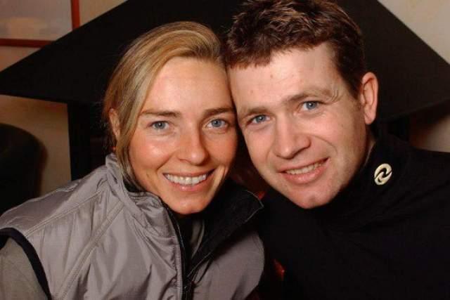 Известно, что 4 октября 2012 года норвежец сообщил об официальном разводе со своей супругой, итальянской биатлонисткой Натали Сантер.