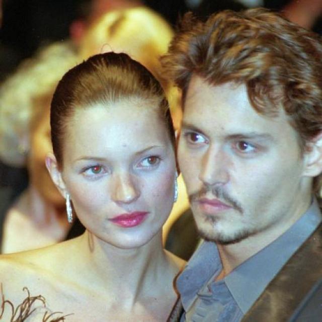 Они встретились в 1994-м: ей было 20, а ему 31. Многие поклонники и теперь считают, что ни с одним мужчиной Кейт не излучала такого счастья, как с Джонни. Если бывают люди, идеально сочетающиеся друг с другом, то их союз был именно таким.