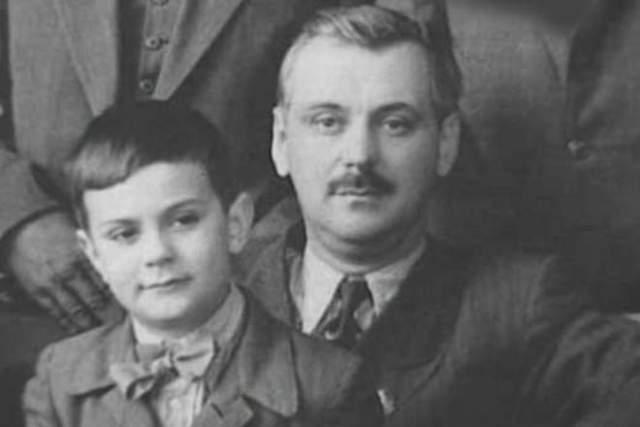 Никита Михалков, 72 года. Будущий режиссер даже в юном возрасте был дико занятым и важным. Сын автора гимна Советского союза ходил в спецшколу, театратальную студию и музыкальную школу по классу фортепьяно.