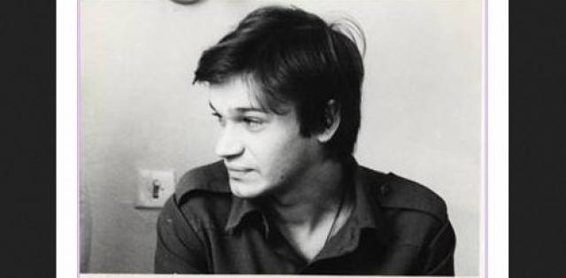 В итоге его взрослый голос не был столь примечателен. Сергей очень тяжело переживал уход из хора и последующую невостребованность, продолжал ходить на репетиции в качестве зрителя, поступил на дирижерско-хоровое отделение, но не закончил его.