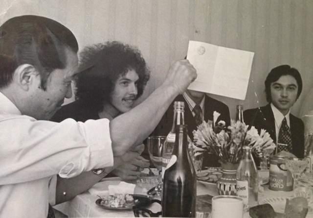 Весной 1979 года группа распалась из-за недопониманий в коллективе (по версии Макаревича) или из-за лидерства Макаревича (по версии Кавагоэ).