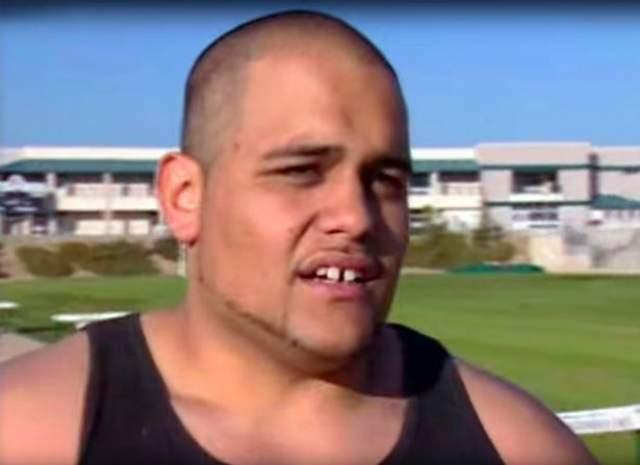 Тревор Мисипека, атлет, 39 лет . Атлет из США (если можно так назвать человека весом в 132 кг) хотел выступать от Восточного Самоа в другой дисциплине - толкании ядра - на ЧМ по легкой атлетике в 2001 году.