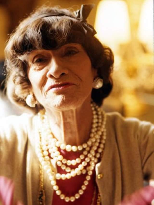 """10 января 1971 года в возрасте 87 лет Габриэль скончалась от сердечного приступа в отеле """"Риц"""", где жила долгое время. До конца жизни она оставалась элегантной и привлекательной женщиной, полной жизненной энергии."""