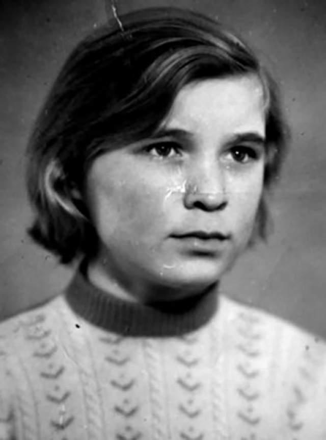 Любовь Вдовина Свою первую жену Александр Буйнов встретил во время службы в армии в Алтайском крае. Несмотря на большие расстояния (от части до ближайшего села было больше десяти километров), Буйнов часто бегал на свидания. Молодые люди расписались в сельском ЗАГСе в 1970 году и прожили в браке всего два года.