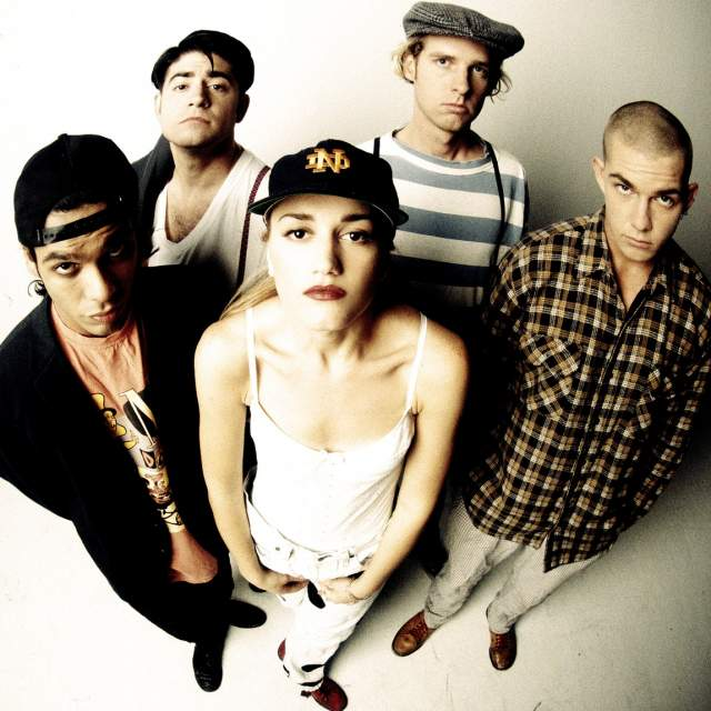 No Doubt. Американская ска-панк-группа под предводительством Гвен Стефани приобрела широкую известность после выхода альбома Tragic Kingdom в 1995 году.