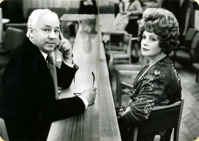 В 1970-е годы актриса потеряла популярность, в последние годы жизни она практически не снималась. Ларионова умерла у себя дома во сне от обширного инфаркта.