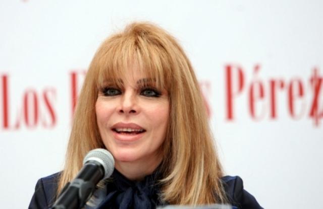 А вот личная жизнь актрисы не сложилась: замужем мексиканская звезда ни разу не была, родила двоих сыновей от случайных связей. Со своим старшим сыном Кастро не общается из-за его развода с женой, скрывающей от артистки внуков.