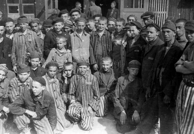 Кстати, среди спасенных в Бухенвальде детей были двое, которые впоследствии стали Нобелевскими лауреатами - Эли Визель и Имре Кертес.