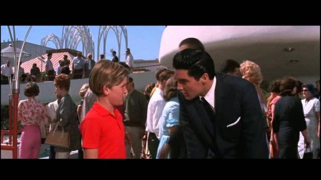 Курт Рассел. Расселл в детстве много снимался в диснеевских фильма: на телевидении он появлялся с шестилетнего возраста.