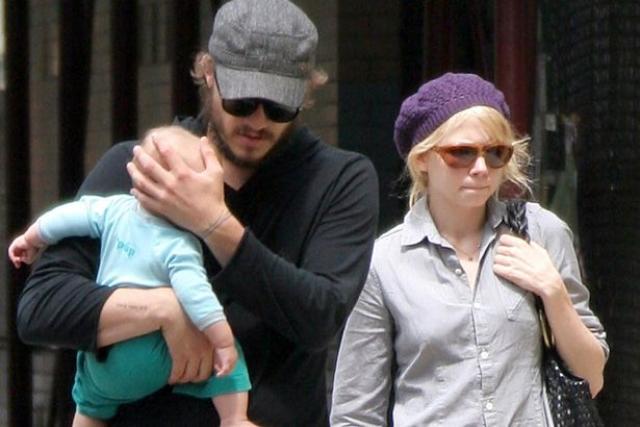В 2005 году Мишель родила дочь Матильду, и, казалось бы, в семье воцарилась настоящая идиллия…