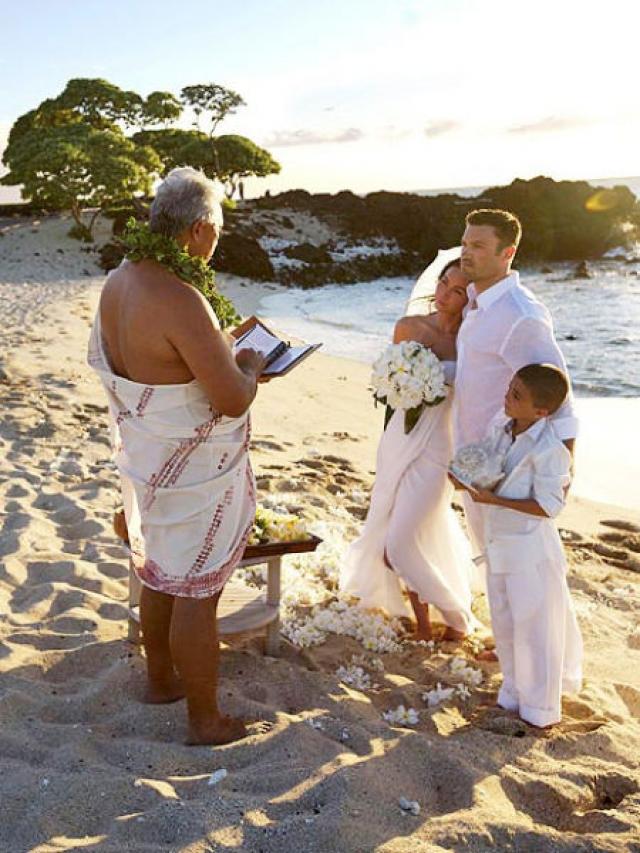Меган Фокс и Брайан Остин Грин. Свадьба пары состоялась в июле 2010 года и им также удалось сохранить полную секретность.