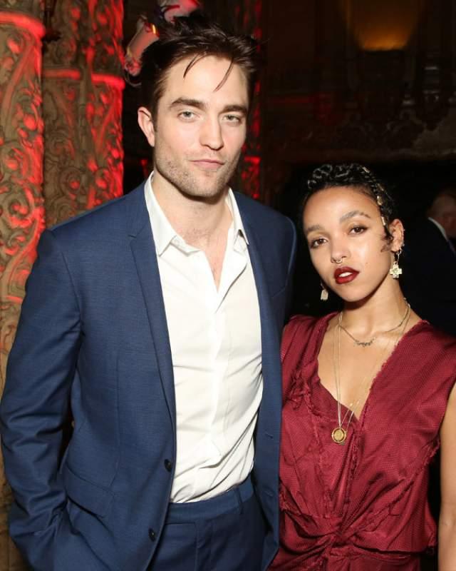 В 2015 году молодые люди объявили о помолвке, но спустя год начали ходить слухи, что у артистов не все в порядке в отношениях. Вскоре появились подтверждения о расставании.