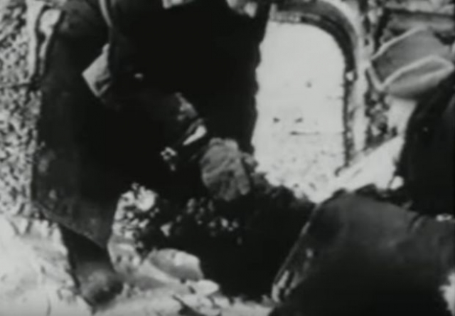 15 человек получили различные ранения. Из семи Овечкиных погибло пятеро. Их тела полностью обгорели.