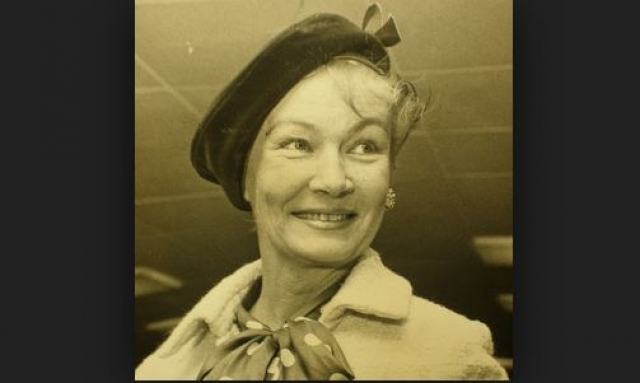 В итоге у Лейк развилась паранойя. Актриса скончалась 7 июля 1973 года от гепатита и почечной недостаточности, вызванной алкоголизмом, совершенно одинокой 50-летней женщиной.