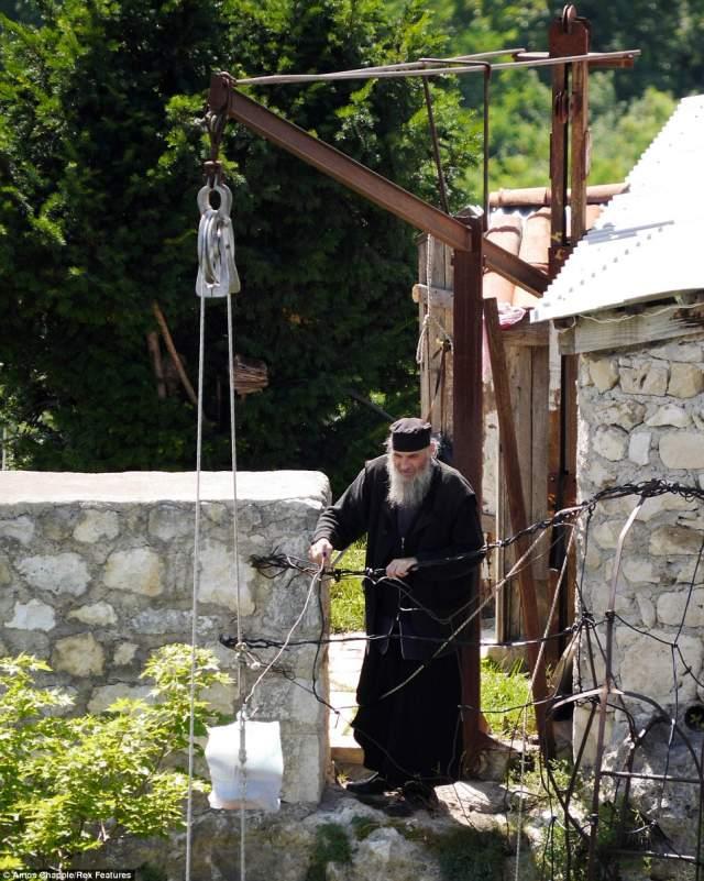 В 2005 году вершина столпа была расчищена почти полностью. Был восстановлен монастырский комплекс, старыми же камнями. Руины были тщательно разобраны и заново собраны.