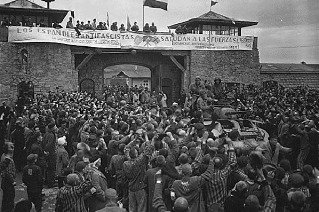 """Раздается находящееся в тайниках оружие, пишется воззвание всем узникам Бухенвальда, призывающее всех до одного встать на борьбу за свое освобождение: """"И будь проклят тот, кто забыл свой долг, спасует в этой последней и беспощадной схватке с фашизмом,"""" - так заканчивалось воззвание."""