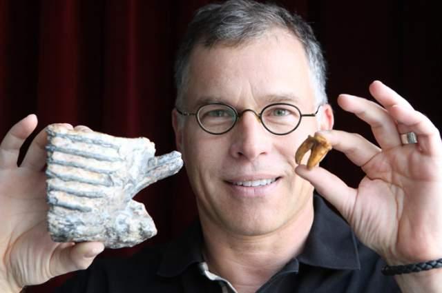 Мужчина надеется, что в будущем ученые смогут извлечь из зубных тканей образец ДНК и клонировать певца.