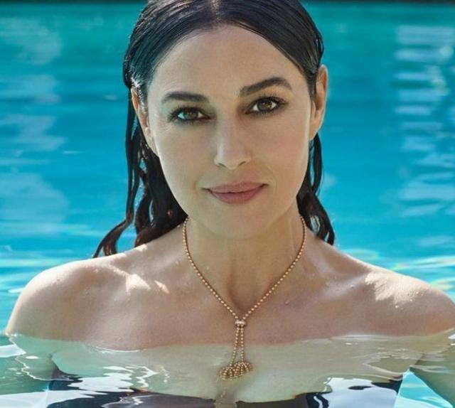 В интервью для нового выпуска журнала актриса также поделилась своей точкой зрения по поводу любви, отношений и возраста.