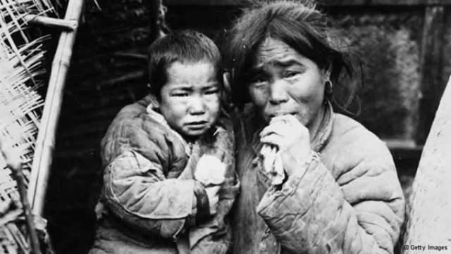 В Китае массовый голод произошел в период с 1958 по 1961 го. Из-за засухи и экономической политики государства по официальной статистике погибло около 15 млн человек.