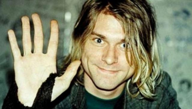"""Многие люди утверждают, что видели его живым и здоровым, что слова его песни """"come as you are"""" о неимении ружья подтверждают, что Курт не застрелился, а просто решил порвать с музыкальной карьерой и Кортни Лав."""