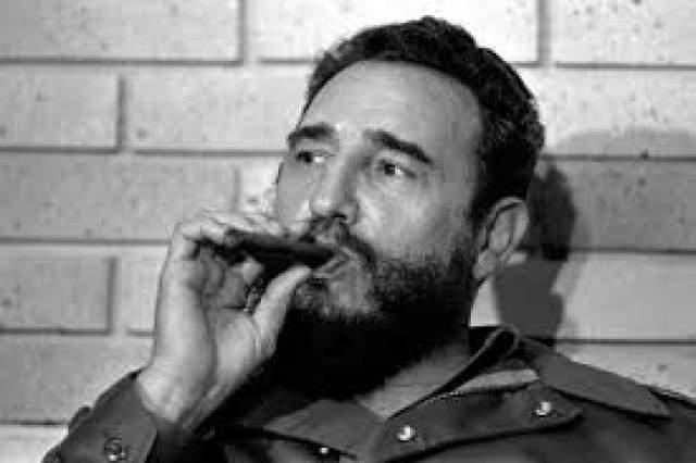 """Журналисты насчитали 638 покушений на Фиделя Кастро . Но самой забавной операцией по ликвидации главы острова Свободы считается план с громким названием """"Уничтожение озарением""""."""