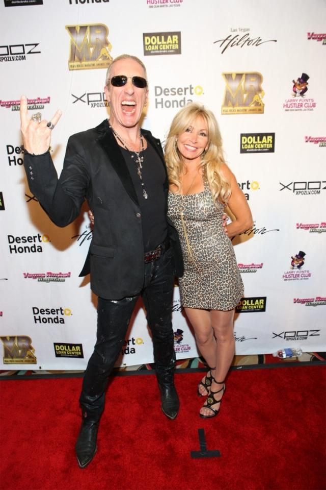 Ди Снайдер и Сюзетт Снайдер. Очаровательная блондинка - супруга жутковатого фронтмена из Twisted Sister с 1981 года.