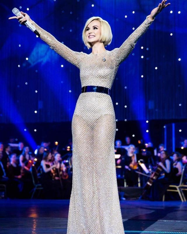 """Полина Гагарина. Певица - настоящая поклонница """"голых"""" нарядов светлых тонов."""