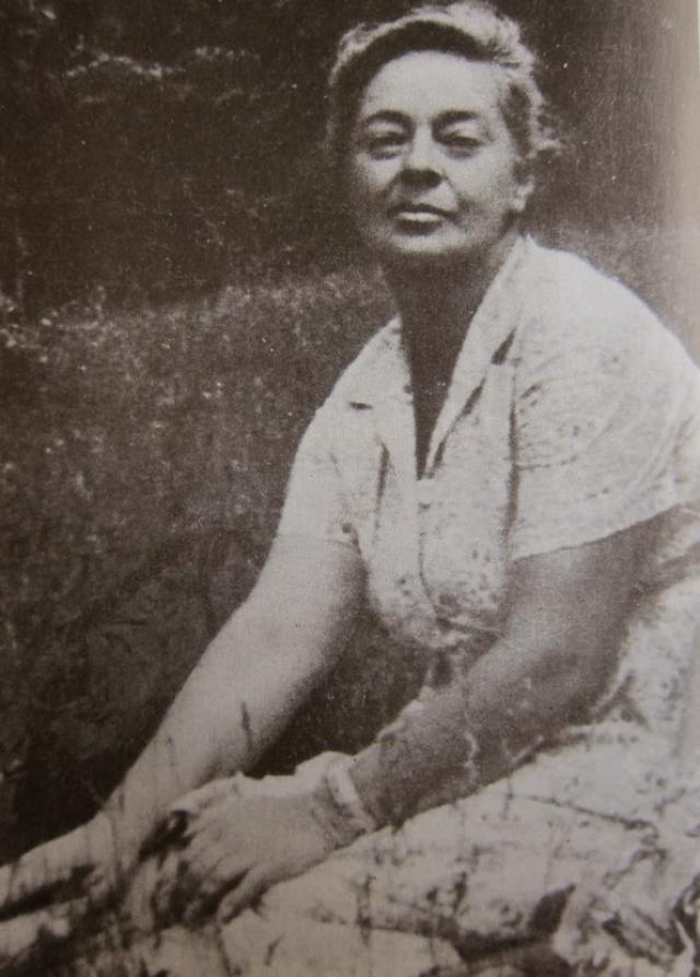 Из-за подобных злоключений у Ариадны Сергеевны с молодости было больное сердце, она перенесла несколько инфарктов. От одного из них она и скончалась 26 июля 1975 года.