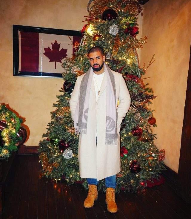 Дрейка рождество застало в Канаде.