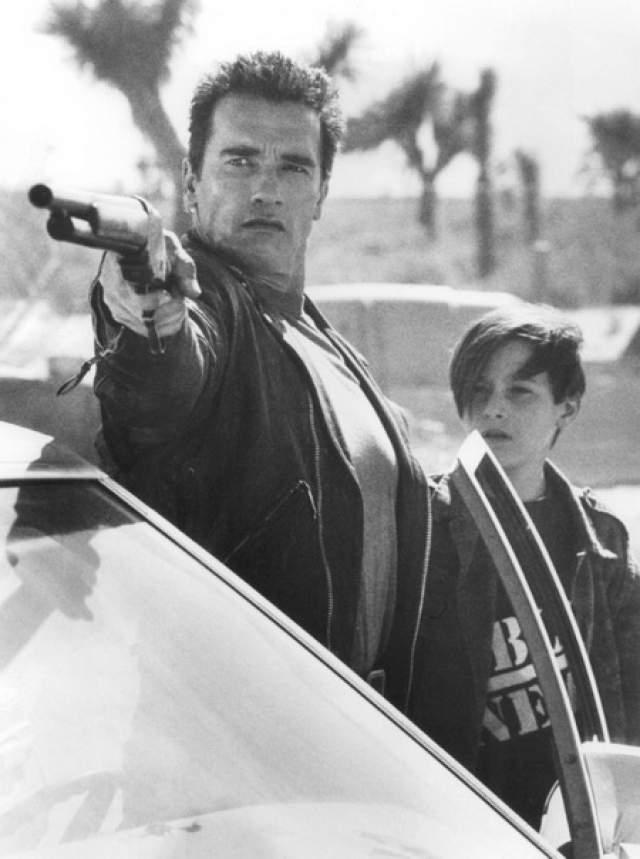 """Эдвард Уолтер Ферлонг, """"Терминатор 2"""" (1991). Мексиканец по матери и русский по отцу, которого он никогда не видел. В 13 лет выиграл конкурс на роль Джона Коннора в """"Терминатор"""". За свою дебютную работу получил """"MTV Movie Award"""" как самый большой прорыв года, а также приз """"Saturn Sci-Fi Award"""" как лучший молодой актёр."""