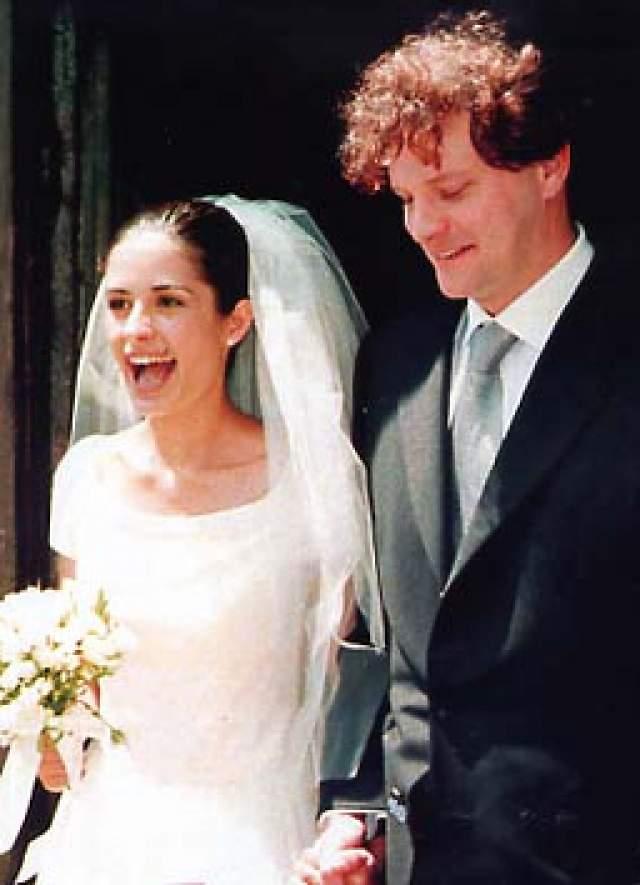 Колин Фёрт и Ливия Джуджолли. Актер был женат дважды и оба раза был примерным семьянином, который к тому же вовсе не стремится распространяться о своей личной жизни. После первого неофициального брака с актрисой Мег Тилли, отношения с которой длились семь лет и закончились в 1996-м году, актёр горевал недолго и уже в 97-м женился на итальянке Ливии Джуджолли.