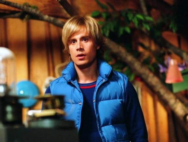 """Самой первой для него стала роль """"жесткого парня"""" в сериале """"Семейка Маттерсов"""" (1995)."""