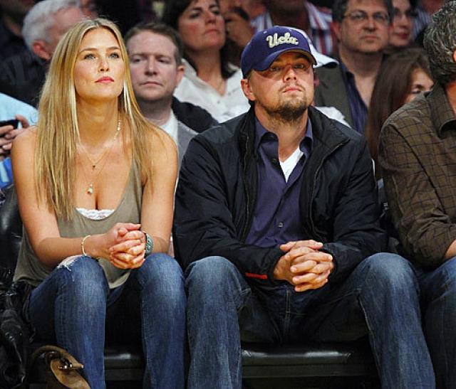 Леонардо Ди Каприо. Актер настоящий любитель моделей-блондинок. С 2006 по 2009 год он встречался с израильской моделью Бар Рафаэли. После перерыва в отношениях пара даже планировала пожениться, однако через год звезды расстались окончательно.