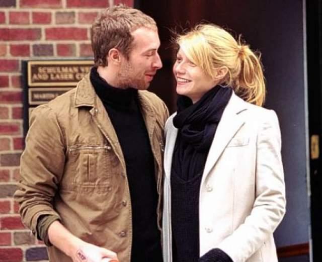 Тем временем 45-летняя Пэлтроу подала на развод с 40-летним Крисом Мартином в 2015 году. Они были женаты 11 лет, но к тому времени год жили раздельно.