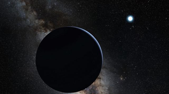 Черная планета. В 2006 году астрономы обнаружили черную экзопланету, поверхность которой отражает менее 1% света звезды, вокруг которой вращается. При этом она всегда повернута к звезде одной стороной.