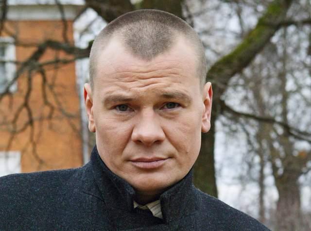 На счету актера более тридцати ролей, его карьера была в самом расцвете, когда случилась трагедия. Он был найден мертвым в съемной московской квартире 27 февраля 2010 года.
