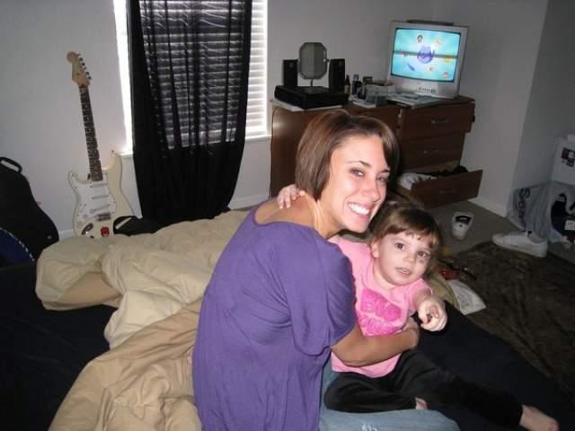Отметим, что Кейси Энтони в 2011 году была признана виновной в лжесвидетельствовании по делу об убийстве ее двухлетней дочери.