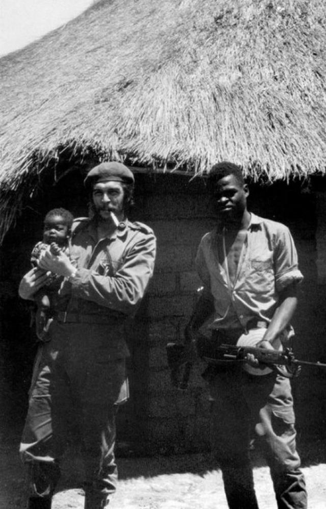 """После занятия повстанцами города Сантьяго-де-Куба 12 января 1959 года там был устроен показательный суд над 72 полицейскими и другими лицами, так или иначе связанными с режимом и обвиненными в """"военных преступлениях"""". Все 72 были расстреляны."""