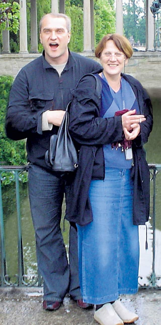 Александр Балуев и гражданка Польши, журналистка Мария Урбановская, десять лет состояли в романтических отношениях перед тем, как в 2003 году оформить их официально. В том же году появилась на свет их дочь, Мария-Анна.