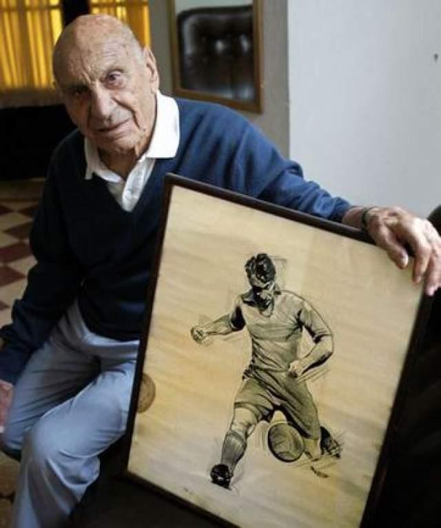 Франсиско Варальо умер самым последним из всех участников первого чемпионата мира по футболу: на момент смерти, 30 августа 2010 года, ему было 100 лет и 6 месяцев.