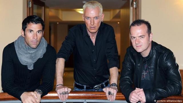Менеджер группы и фронтмен Эйч Пи Бакстер - единственные, кто остался в команде из оригинального состава. Scooter все еще гастролирует и выпускает альбомы.