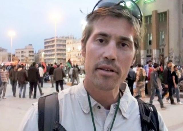 """Джеймса Фоли казнили на глазах у интернет-пользователей. В 2010 году мужчина уехал в Афганистан, чтобы работать там журналистом, для чего в январе 2011 года присоединился к газете """"Stars and Stripes""""."""