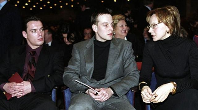 Василий Лановой и Ирина Купченко. 9 октября 2013 года внезапно скончался младший сын актеров Сергей.