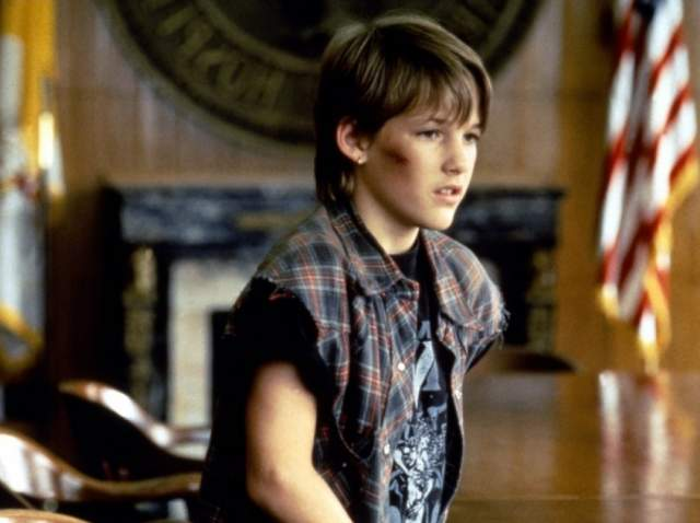 """Брэд Ренфро, 25.07.1982 - 15.01.2008. Актер стал знаменит еще в 11 лет, когда блестяще отыграл свою роль преследуемого мафией мальчика в фильме """"Клиент""""."""
